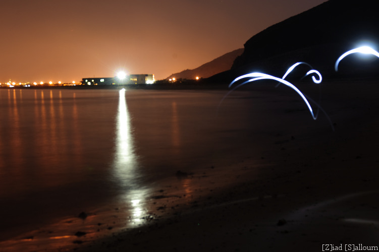 Lights of Dibba (D700, Tamron 24-135mm f/3.5-5.6 @ 24mm, f5.6, ISO 200, 34 seconds)