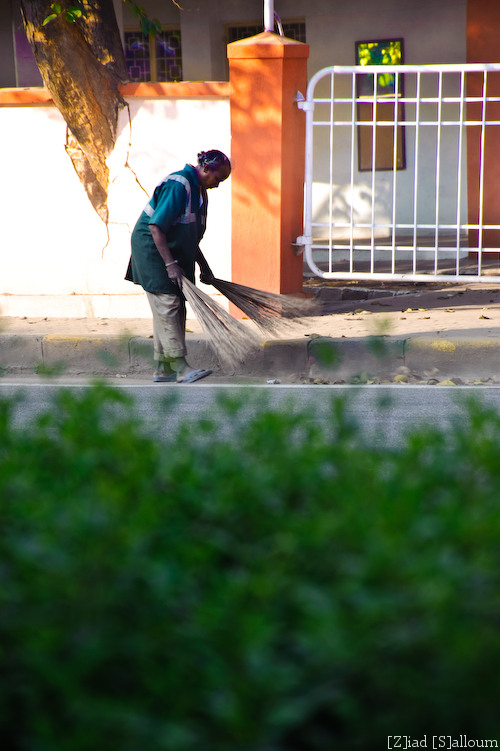Sweeper Man (D700, Tamron 24-135mm f/3.5-5.6 @ 135mm, f5.6, ISO 200, 1/125sec)