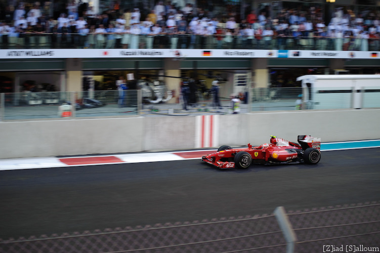 Ferrari! (D700, Sigma 70-200mm f/2.8 @ 70mm, f2.8, ISO 200, 1/400sec)