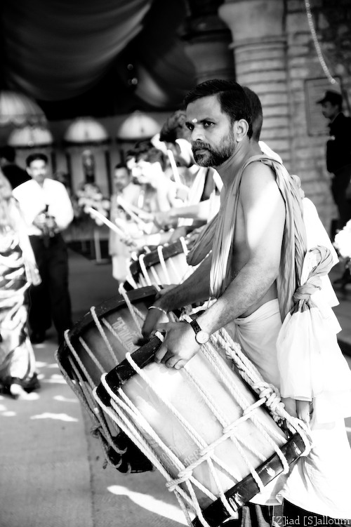 Drummer Man (D700, Tamron 24-135mm f/3.5-5.6 @ 95mm, f5.6, ISO200, 1/160sec)