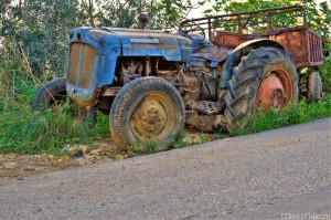 Tractor 3 (D700, Nikkor 50mm f/1.4 @ 50mm, f11, ISO 200 - HDR)
