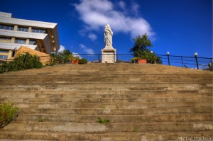 The Lady at the Top of the Steps (D700, Tamron 24-135mm f3.5-5.6 @ 24mm, f11, ISO 200, HDR)